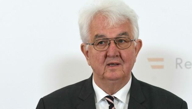 Laut Nationalbank-Gouverneur Robert Holzmann hat die Europäische Zentralbank (EZB) noch viele weitere Optionen, um Unternehmen während der Coronavirus-Pandemie zu unterstützen. (Bild: APA/HELMUT FOHRINGER)