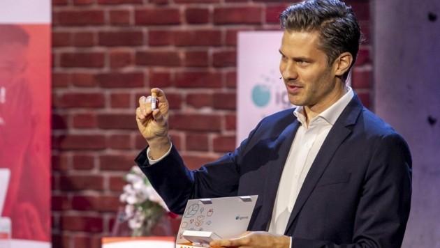 """Igevia-Gründer Dominik Flener in der Puls4-Show """"2 Minuten 2 Millionen"""". (Bild: Puls4/Gerry Frank Photography)"""