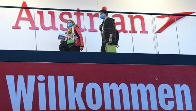 Flughafen Wien-Schwechat: Derzeit werden österreichische Touristen zurück nach Hause geflogen. Das Außenministerium rät außerdem zum vorzeitigen Abbruch von Türkei-Urlauben. (Bild: APA/HELMUT FOHRINGER)