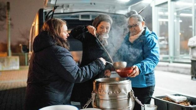 Die Hilfe für Bedürftige muss auch in Corona-Zeiten weitergehen! (Bild: Caritas Marlene Fröhlich)