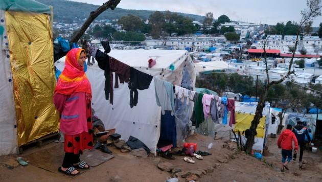 Das überfüllte Flüchtlingslager Moria auf der Ägäisinsel Lesbos (Bild: Associated Press)