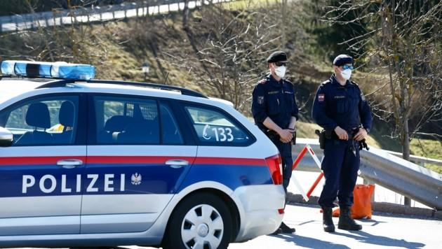 Die Polizei überwachte die Quarantäne (Bild: Gerhard Schiel)