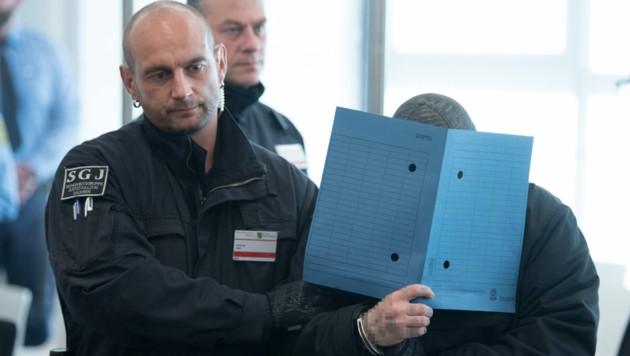 Das Gericht in Dresden verurteilte die Angeklagten wegen Mitgliedschaft in einer Terrorvereinigung zu mehrjährigen Haftstrafen. (Bild: AFP)