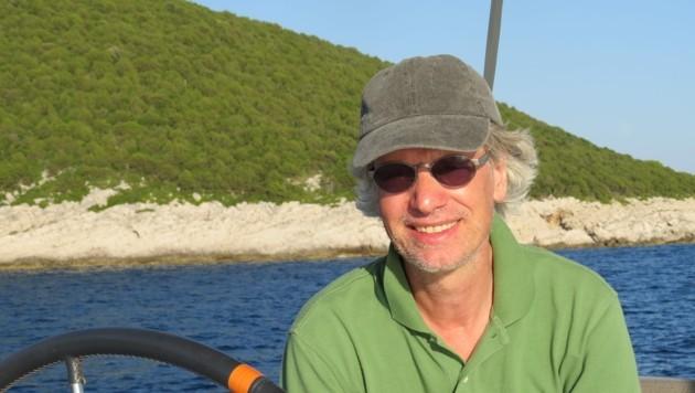 Sebastian Kummer muss derzeit ein Versteckspiel mit der griechischen Küstenwache spielen. (Bild: Sebastian Kummer)