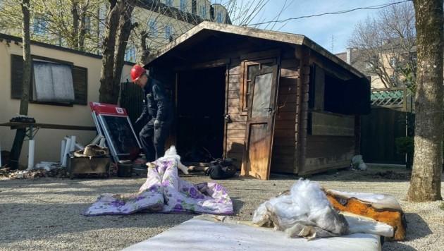 Das Feuer brach Freitagfrüh in einer Gartenhütte aus. (Bild: Markus Tschepp)