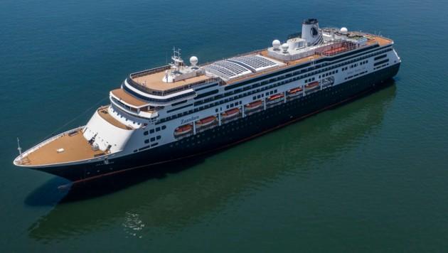 Die in den USA beheimatete Reederei Holland America Line hatte das Schiff Zaandam vor der südamerikanischen Pazifikküste unter Quarantäne gestellt. (Bild: AFP)