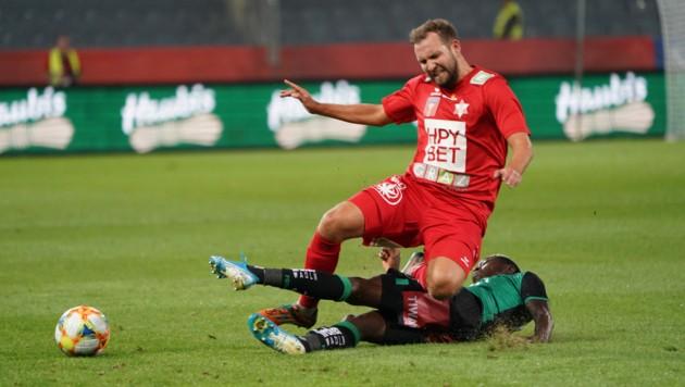 GAK-Verteidiger Peter Kozissnik muss genauso wie der Rest der Liga nun durchhalten. (Bild: Sepp Pail)