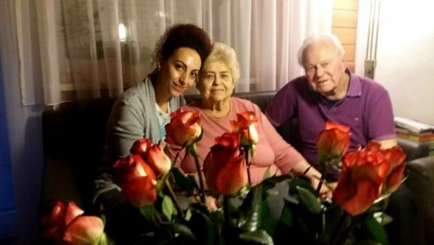 Robert Hinterbuchner (88) und Ehefrau Inge (87) werden von Adriana Hangan (37) rund um die Uhr gepflegt. (Bild: zVg)