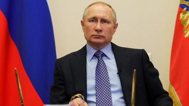Russlands Präsident Wladimir Putin forderte die Einwohner von Moskau am Montag dazu auf, die Ausgangsbeschränkungen zu respektieren, um die Ausbreitung des Coronavirus zu verlangsamen. (Bild: AFP)