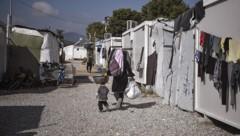Im Flüchtlingslager in Ritsona sind mehrere Corona-Infektionen festgestellt worden. (Bild: AFP/Louisa Gouliamaki)