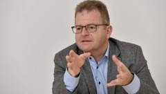Unternehmer Wolfgang Hochreiter will die Lasagne-Produktion in Reichenthal ausbauen. (Bild: Markus Wenzel)