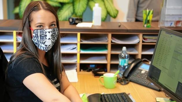 In der WIMO werden schicke, selbst angefertigte Masken mit dem Klagenfurter Stadtplan getragen. (Bild: WIMO Klagenfurt)
