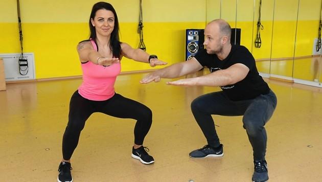 Dominik Gartner (hier ein Bild von einem Training vor Corona) hält uns online fit (Bild: Christian Jauschowetz)