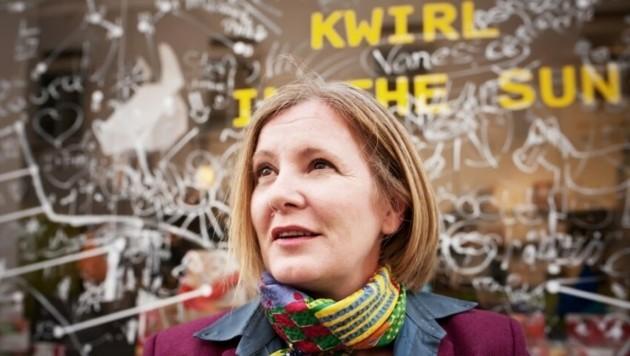 """Iris Kastner vor ihrem Design-Laden """"Kwirl"""" in der Grazer Mariahilferstraße (Bild: K. Sieghartsleitner)"""