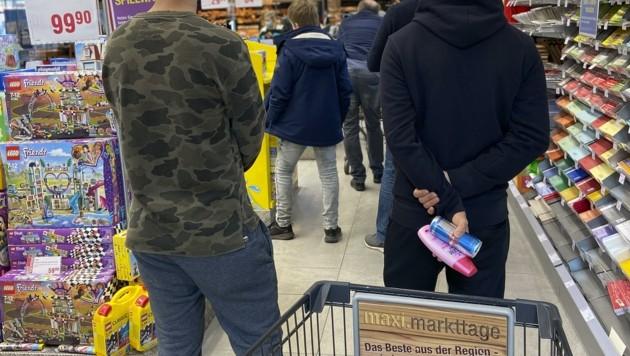 Große Produktpalette: Der Maximarkt kriegt eine Anzeige (Bild: Tröster Andreas)