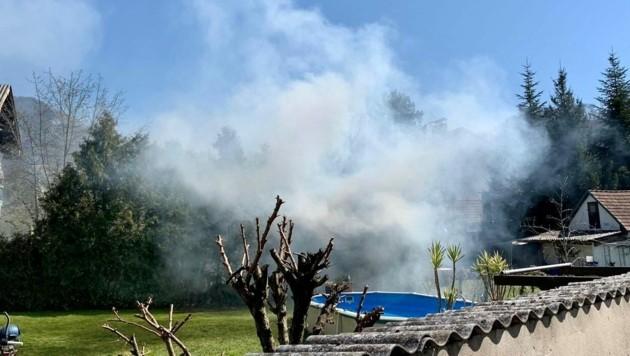 Brand einer Gartenhütte in der Stadt Salzburg (Bild: Markus Tschepp)