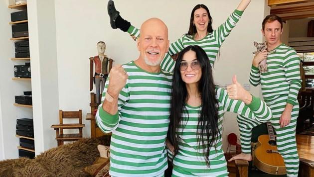 Demi Moore und Bruce Willis feierten eine schräge Quarantäne-Pyjamaparty. (Bild: instagram.com/buuski/)