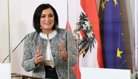 Tourismusministerin Elisabeth Köstinger (Bild: APA/HELMUT FOHRINGER)