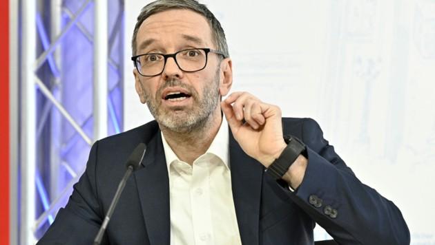 Herbert Kickl will an die Spitze der FPÖ. (Bild: APA/Hans Punz)