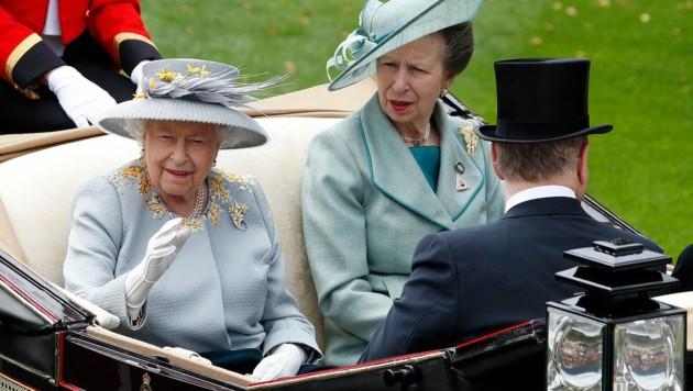 Queen Elizabeth und Prinzessin Anne 2019 in Ascot (Bild: AFP)