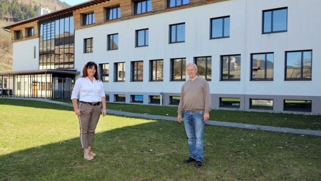 Bürgermeisterin Barbara Huber und Direktor Christian Dullnigg (Bild: Hölzl Roland)