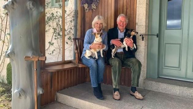 Prinz Charles und seine Camilla teilten dieses Foto anlässlich ihres 15. Hochzeitstages. (Bild: twitter.com/clarencehouse)