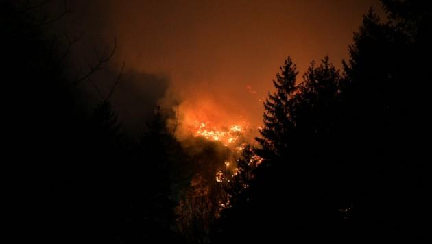 Brände wie dieser im Halltal sollen künftig so gut wie möglich verhindert werden. (Bild: zoom.tirol)