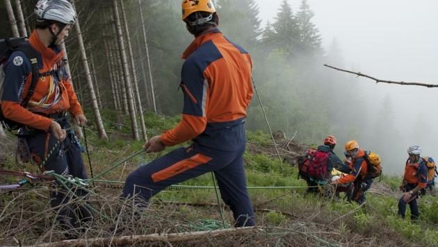 In Salzburg gibt es rund 1400 Bergretter in 43 Ortsstellen. Die häufigste Einsatzursache sind Abstürze. (Bild: Bergrettung Salzburg)