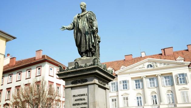 Eine Statue von Kaiser Franz I. am Grazer Freiheitsplatz. (Bild: Sepp Pail)