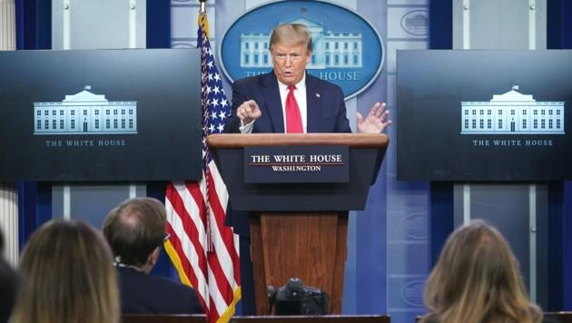 Bei der Pressekonferenz kam es zu einem hitzigen Schlagabtausch zwischen dem US-Präsidenten und Journalisten. (Bild: AFP)