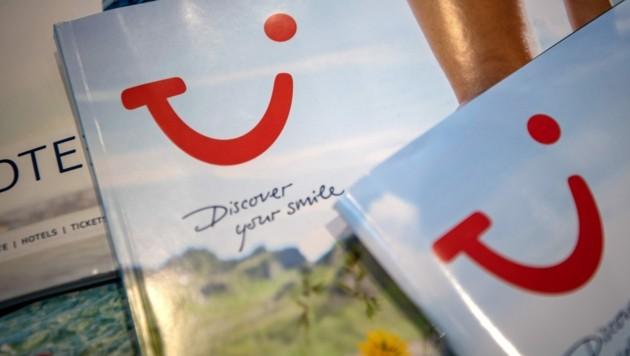 Der Tourismuskonzern TUI versucht die vielen Stornierungen aufgrund der Corona-Krise mit Gutscheinen zu kompensieren. (Bild: APA/dpa/Sina Schuldt)