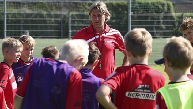 Hat immer ein Herz für den Fußball-Nachwuchs: Franz Aigner. (Bild: ANDREAS TRÖSTER)