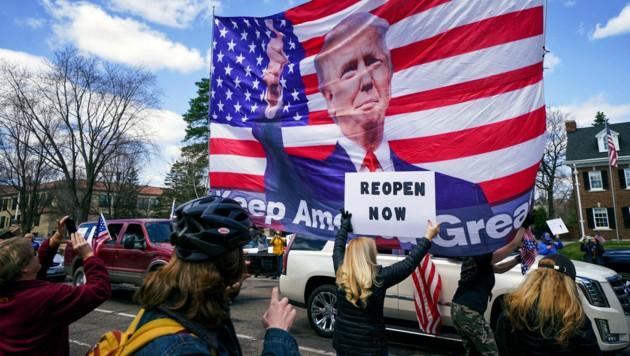 """Viele in Minnesota sind auf Trumps Linie: """"Wiedereröffnen jetzt."""" (Bild: AP)"""