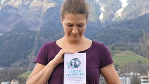 Katrin Biber schrieb ein Buch über den schrecklichen Mord an ihrer Schwester Larissa und die Monate danach. (Bild: Katrin Biber)