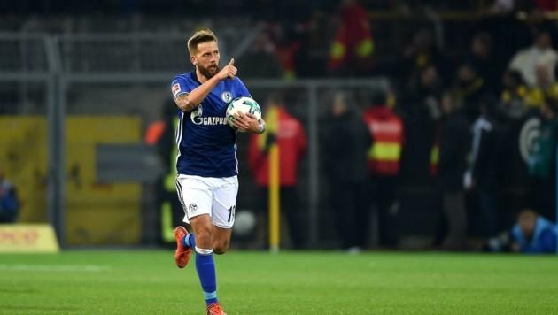 Daumen hoch fürs Kleingruppen-Training: Das Gmünder Schalke-Ass erlebt es seit zwei Wochen. (Bild: SEPA.Media | Sport Moments)