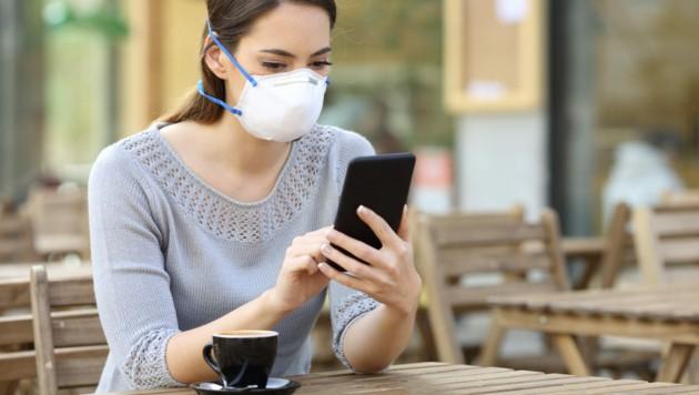 Gesichtsmasken gehören mittlerweile zum Alltag. (Bild: Antonioguillem/stock.adobe.com)