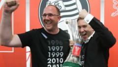 Kreissl (li. neben Boss Jauk) feierte 2018 mit Sturm den Cupsieg. (Bild: GEPA )