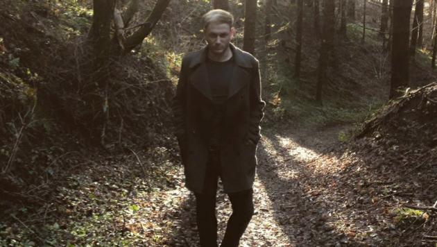 """Christian Krall im Video zu """"Schlussakkord"""" (Bild: Krall Stark Eder)"""