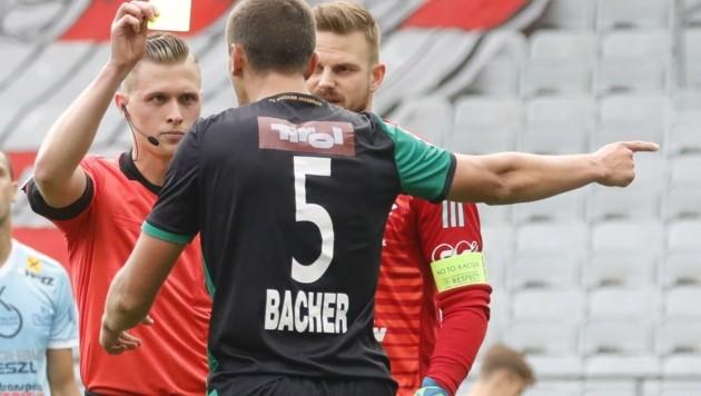 Kärntnens Top-Referee Thomas Fröhlacher muss sich in der Zwangspause dem VAR-Studium daheim widmen. (Bild: Birbaumer Christof)