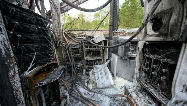 In Großbritannien kam es zu Brandanschlägen auf Handymasten. (Bild: AFP)