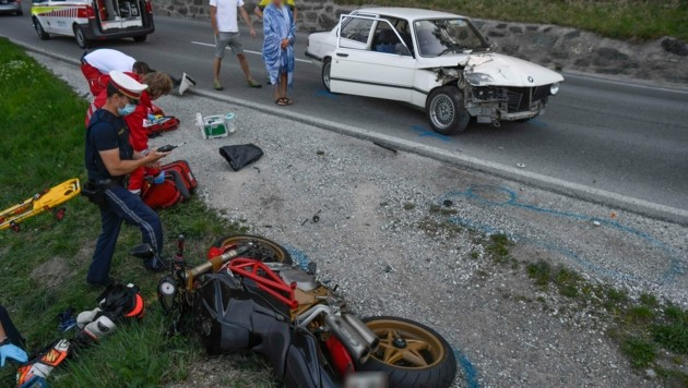 In Mutters passierte am Mittwoch ein schwerer Motorradunfall. (Bild: Zeitungsfoto.at/Team)