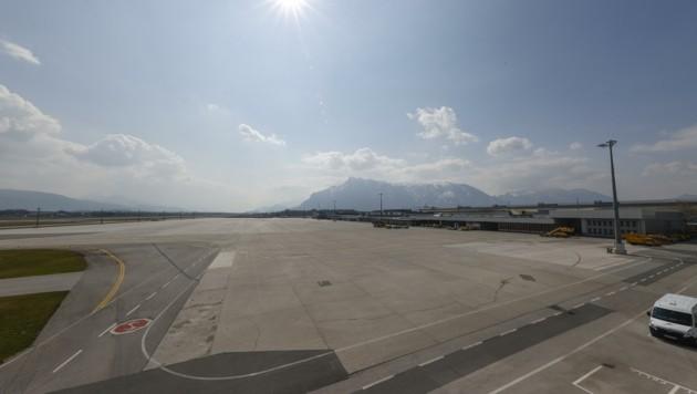 Dieses Bild dürfte noch länger so bleiben: Erst mit Mitte Mai könnten Airlines zurückkehren. (Bild: Tschepp Markus)