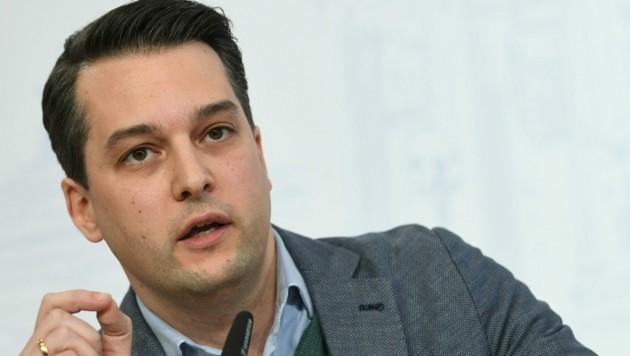 Dominik Nepp (FPÖ) will mit Brachialpolitik Stimmen lukrieren - aus welcher Ecke ist klar. (Bild: APA/HELMUT FOHRINGER)