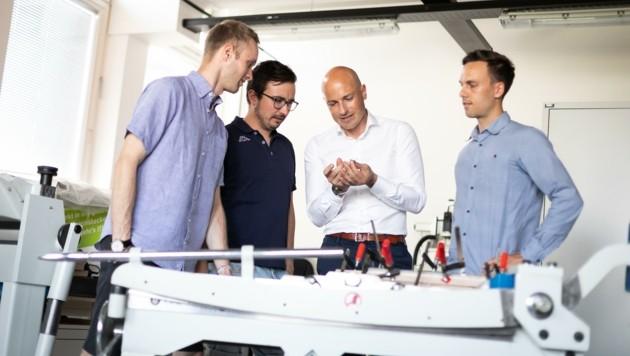 Martin Mössler (3. v. li.) hofft auf mehr Unterstützung für Start-ups (Bild: Oliver Wolf)