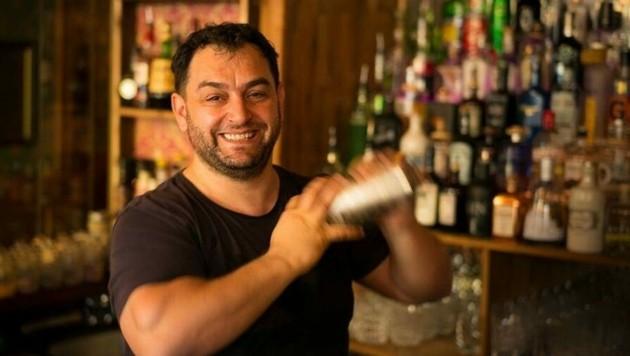 """Oltion Mehmetaj von der """"The Churchill Bar"""" in Graz ist von den Regelungen alles andere als begeistert. (Bild: The Churchill Bar)"""
