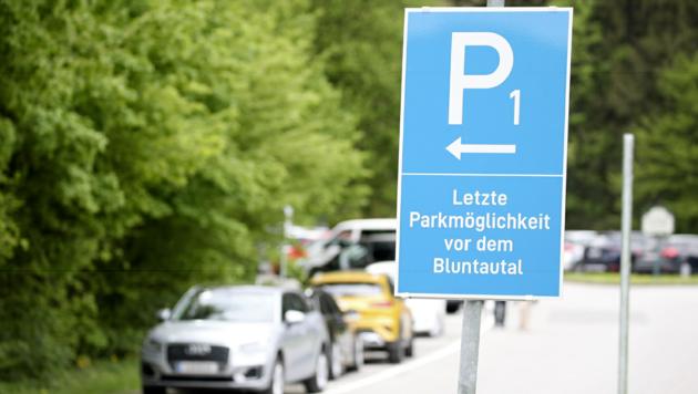 Parken im Bluntautal kostet nun. (Bild: Andreas Tröster)