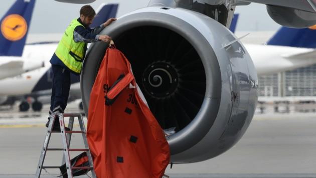 Österreich könnte sich an der deutschen AUA-Mutter Lufthansa beteiligen, damit die AUA wieder zu frischem Eigenkapital kommt. (Bild: AFP)
