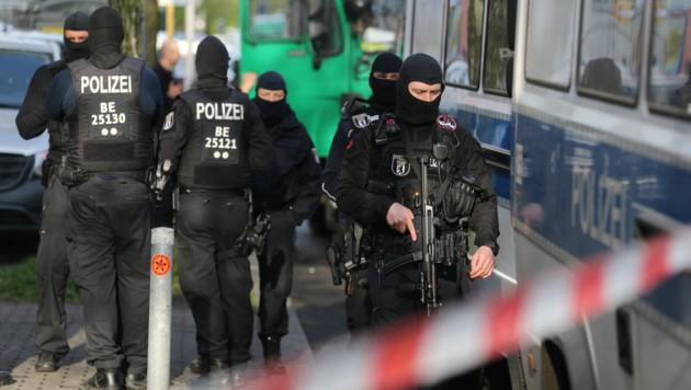 Erst im April hatte es in Deutschland Razzien und ein verbot der islamistischen Hisbollah gegeben. (Bild: APA/dpa/Christoph Soeder)