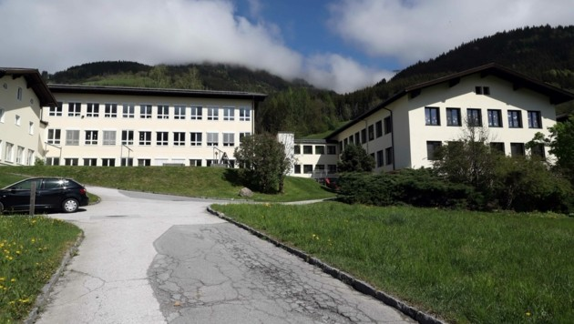 Rund 20 Bewohner des Caritasdorfes werden zurzeit von ihren Angehörigen zuhause betreut. (Bild: Roland Hölzl)
