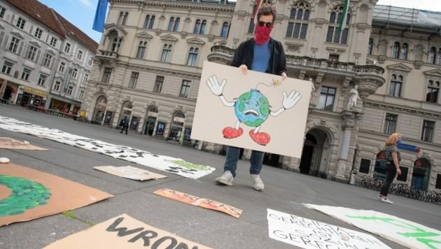 Fridays for Future hält am Freitag und Samstag am Grazer Hauptplatz eine Mahnwache ab (Bild: Elmar Gubisch)